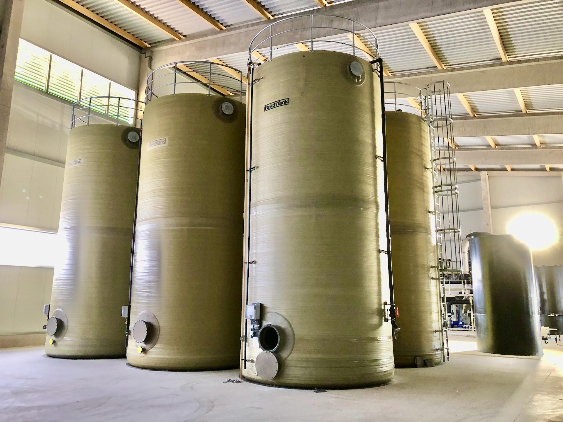 Schmutzwassertanks der Abwasseraufbereitung Reesen